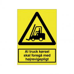 Al truck kørsel skal foregå med højrevigepligt