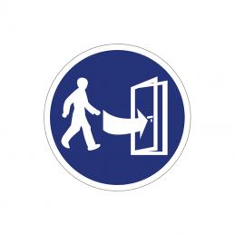 Forsigtig, færdsel på den anden side af døren