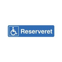 reserveret parkeringsplads til invalidebil